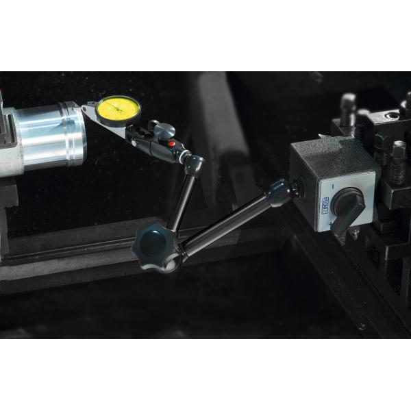 Magnetic measuring stand with fine adjustment at the column  240